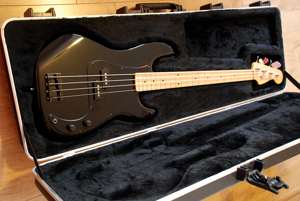 roger waters fender precision bass review