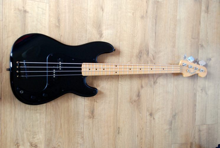 roger waters precision bass review