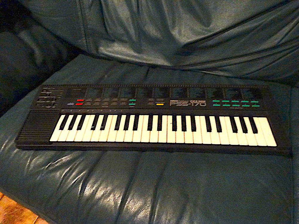 Yamaha PSS-170 PortaSound Portable Toy Mini Keyboard Review