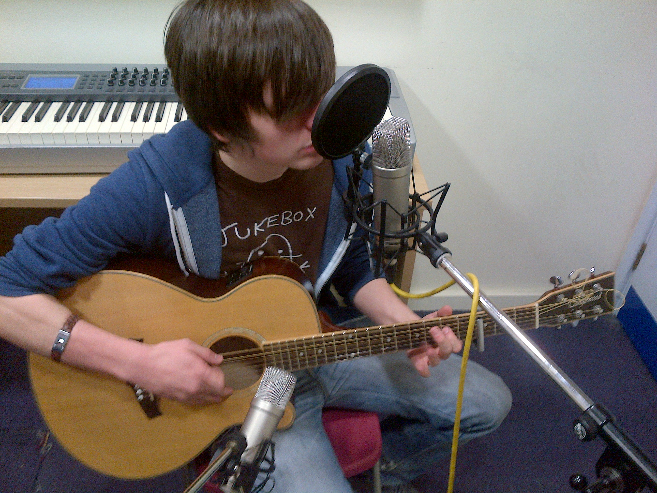 recording acoustic guitar with 2 mics