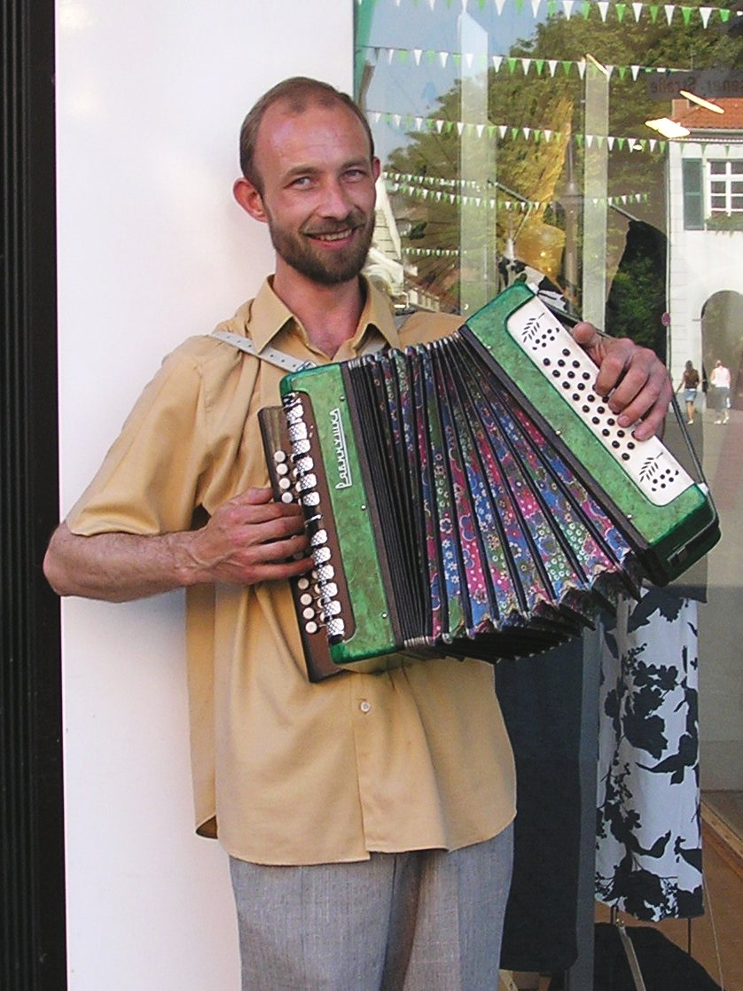 Busking_Accordionist