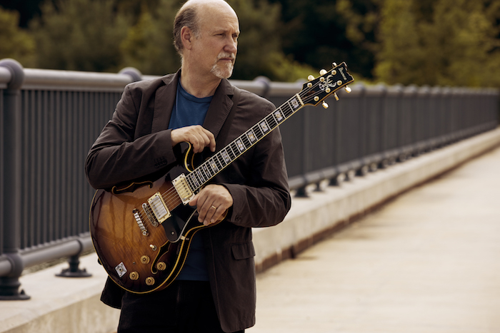 john scofield playing guitar
