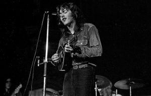 Rory_Gallagher_&_mandolin